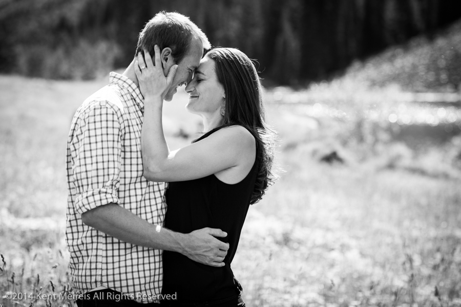 Maroon-Bells-Engagement-Picture-Emotional-Black-White