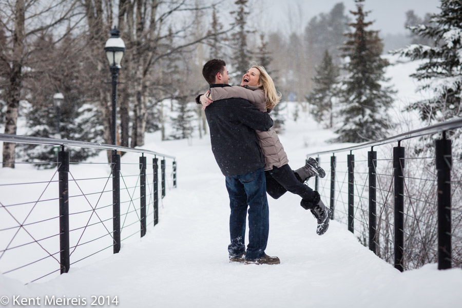 Breckenridge-Colorado-Engagement-Picture-Winter