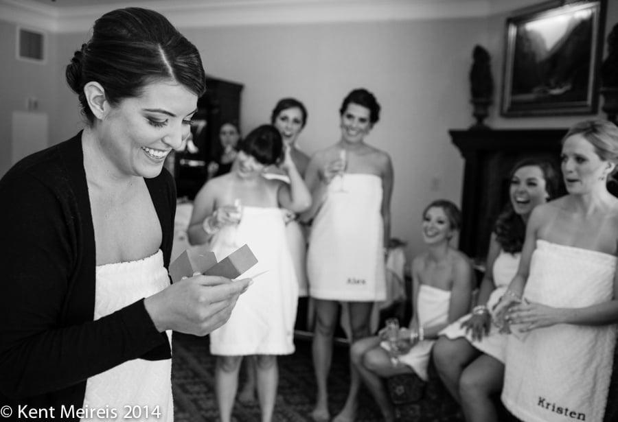 Broadmoor-Hotel-Winter-Wedding-Bride