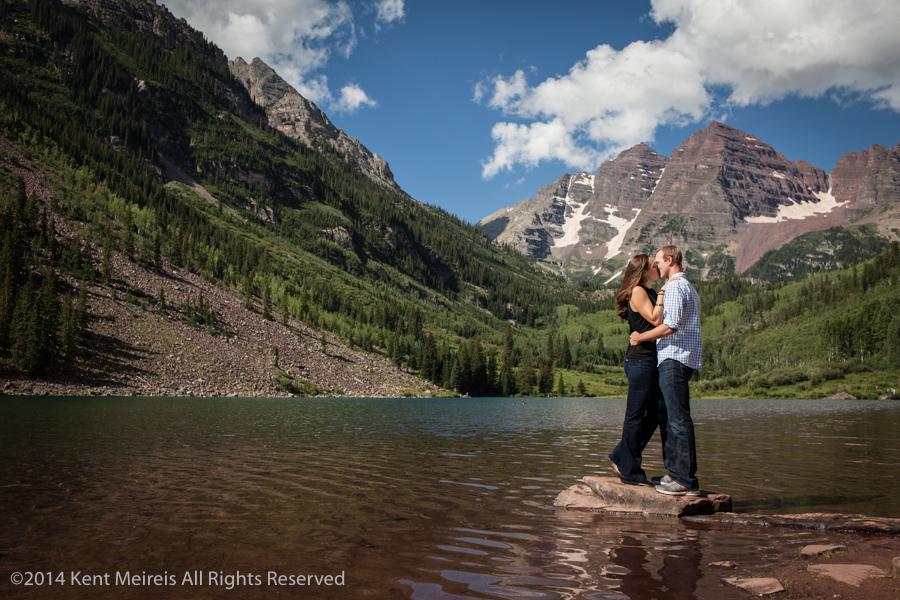 Engagement-Picture-Maroon-Bells-Aspen-Colorado