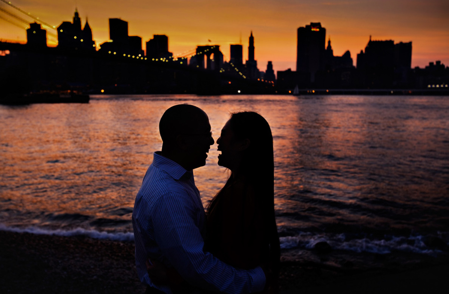 Brooklyn_New_York_Engagement_Picture_Skyline