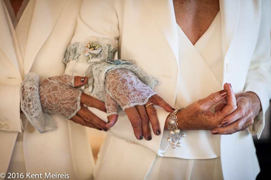 Gay-Wedding-Picture-Hands