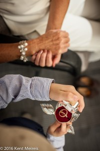 Wedding-rings-hands-detail-picture