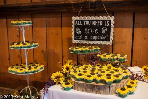 Old Thompson Barn Wedding Detail Picture Love Cupcakes